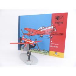 En avion Tintin, L'avion rouge de L'île noire (n°8)
