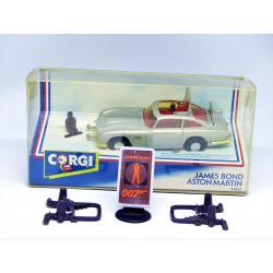 James Bond-Aston Martin-Corgi toys-94060