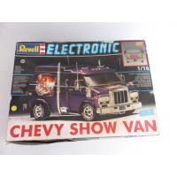 Revell - Chevrolet Chevy show van 1/16e