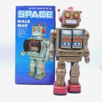 Retro collector metal & plastic tin Robot - Space walk man Vintage - Battery operated